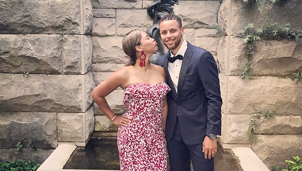 Stephen Curry Ayesha Curry At Friend S Wedding See Pda Pic Hollywood Life