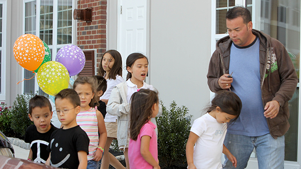 Jon Gosselin with his kids