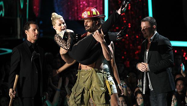 Joe Manganiello & Elizabeth Banks at 2012 MTV Movie Awards