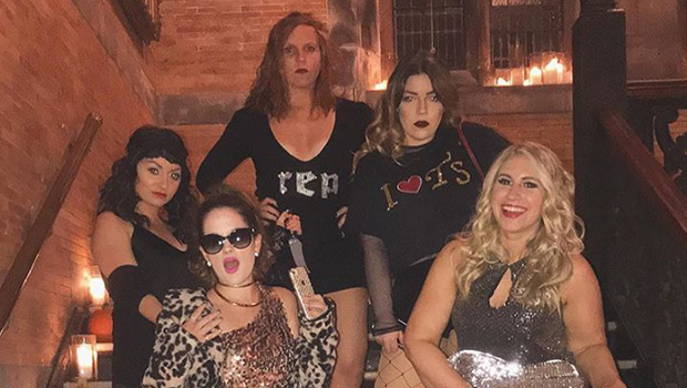Taylor Swift Look What You Made Me Do Costumes See Best Halloween Pics Hollywood Life