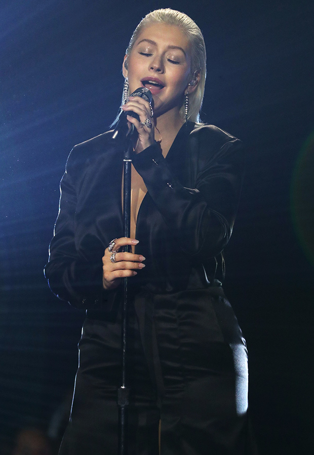Christina Aguilera AMAs Performance Outfit 2017