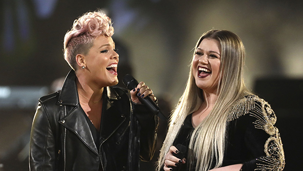 Pink And Kelly Clarkson Performing At The AMAs