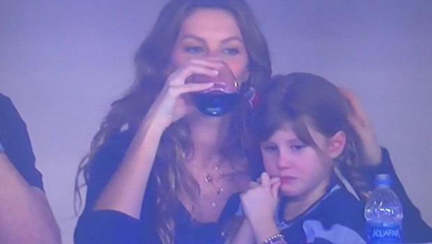 Gisele Bündchen and daughter Vivian Brady at Super Bowl