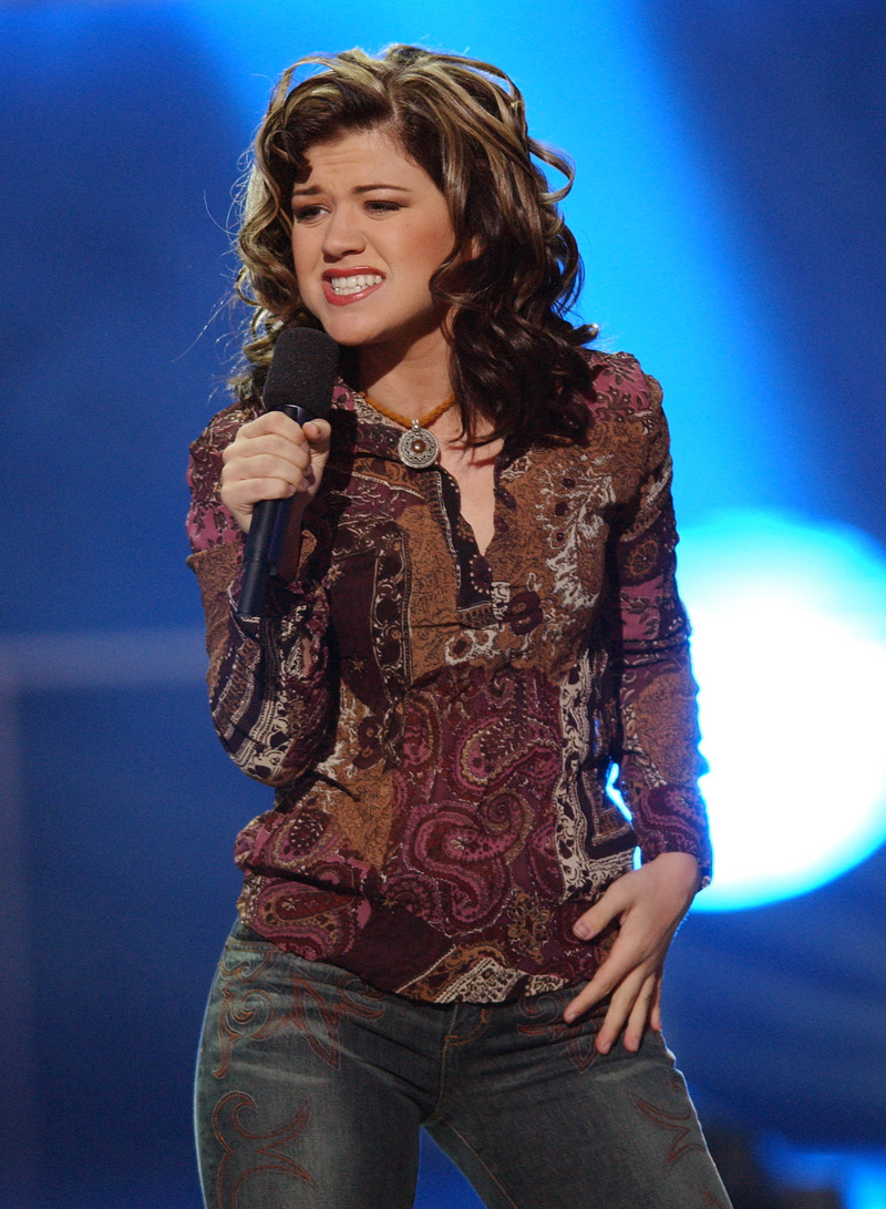 Kelly Clarkson Her Transformation From American Idol To The Voice Hollywood Life