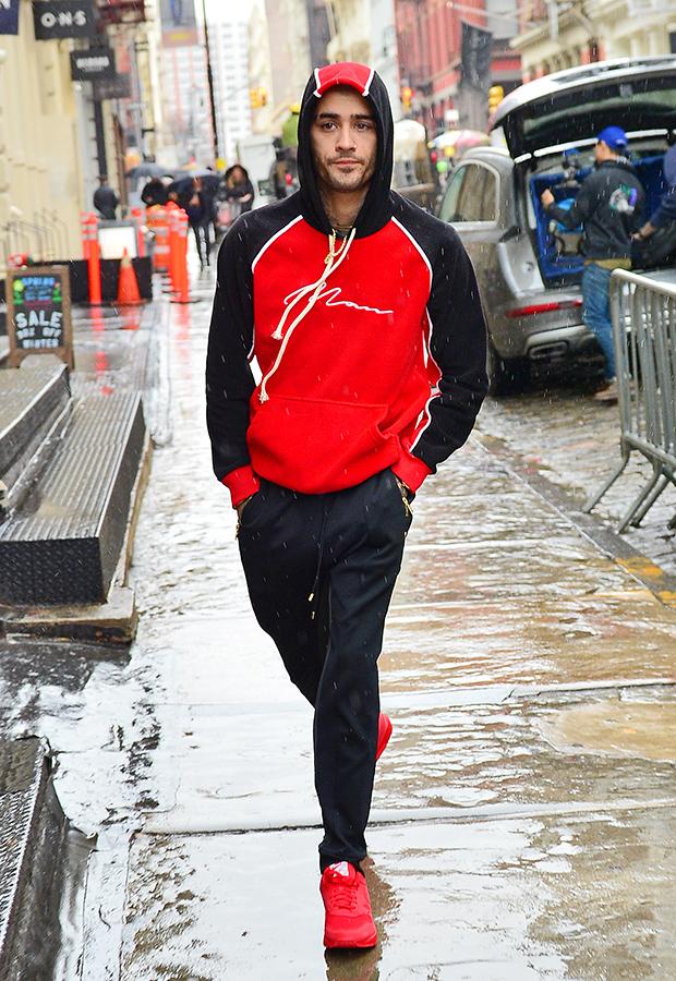 Zayn Malik Leaves Gigi Hadid Apartment Same Clothes