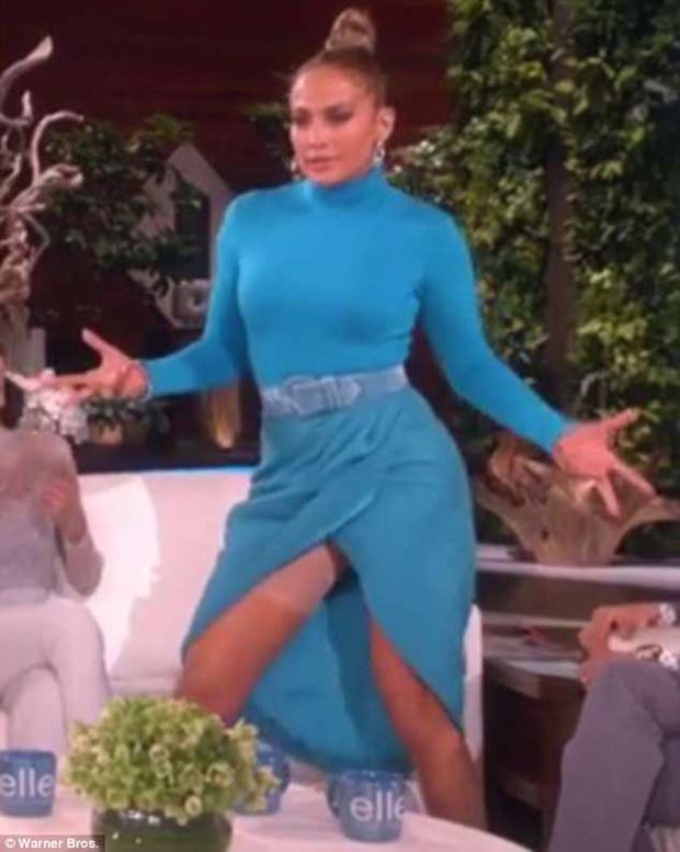 Jennifer Lopezs Wardrobe Malfunction: Flashes Her Spanx On Ellen - Hollywood Life