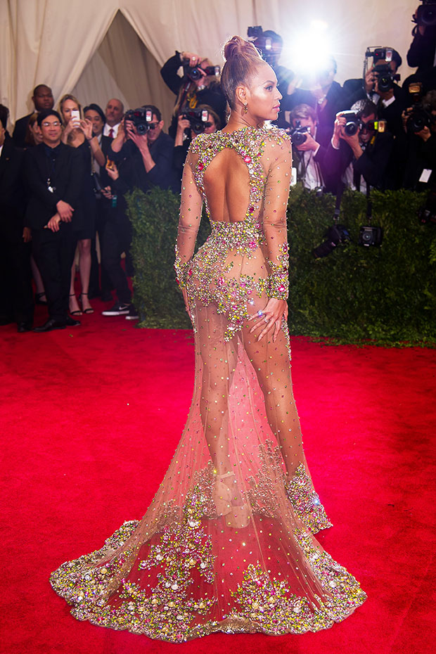 Beyonce Almost naked - Wearing a fully transparent dress