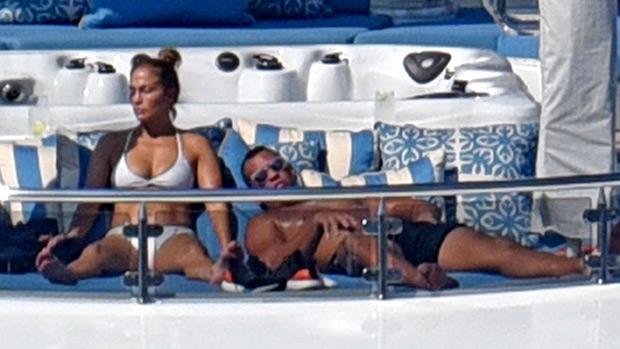 Jennifer Lopez sexy bikin