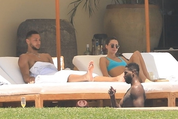 Kendall Jenner & Ben Simmons on vacation in Mexico
