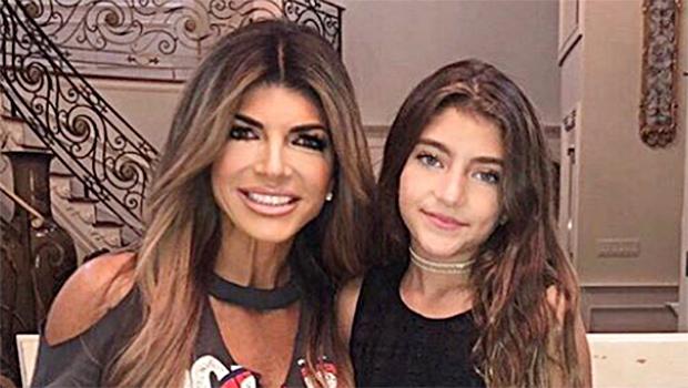 Teresa giudice daughter makeup crop top