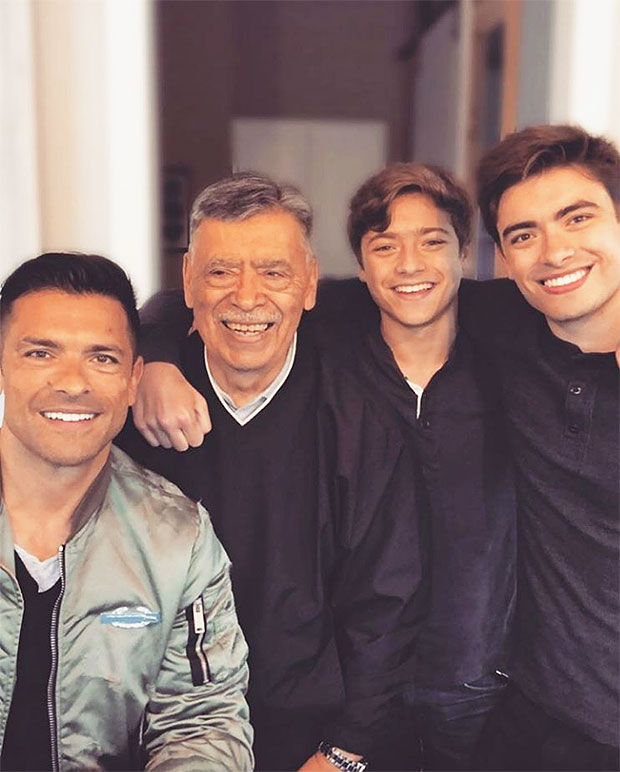mark consuelos sons lookalike pic
