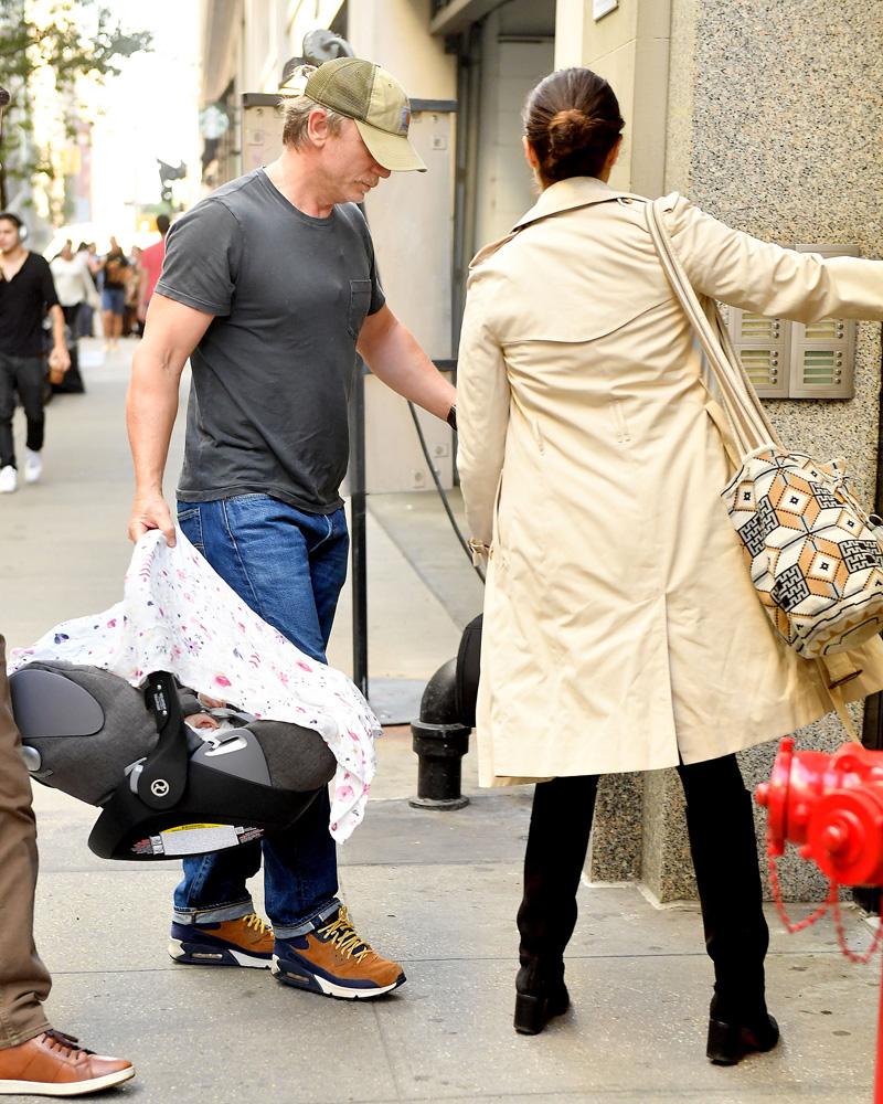 Daniel Craig and Rachel Weisz with Daughter