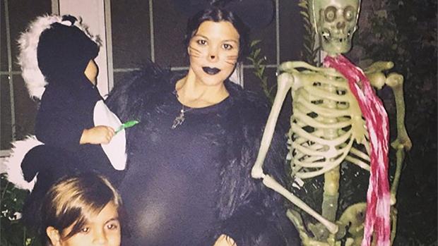 pregnant celebs baby bump halloween costumes