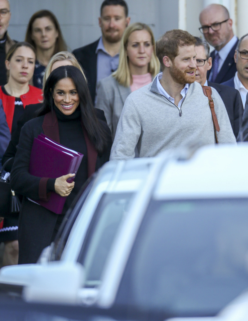 Prince Harry and Meghan Markle, The Duke and Duchess of Sussex arrive at Sydney airport ahead of their Royal Tour of Australia.Pictured: Meghan,Duchess of Sussex,Prince Harry,Duke of SussexRef: SPL5033312 141018 NON-EXCLUSIVEPicture by: Media-Mode / SplashNews.comSplash News and PicturesLos Angeles: 310-821-2666New York: 212-619-2666London: 0207 644 7656Milan: +39 02 4399 8577Sydney: +61 02 9240 7700photodesk@splashnews.comWorld Rights, No Australia Rights, No New Zealand Rights