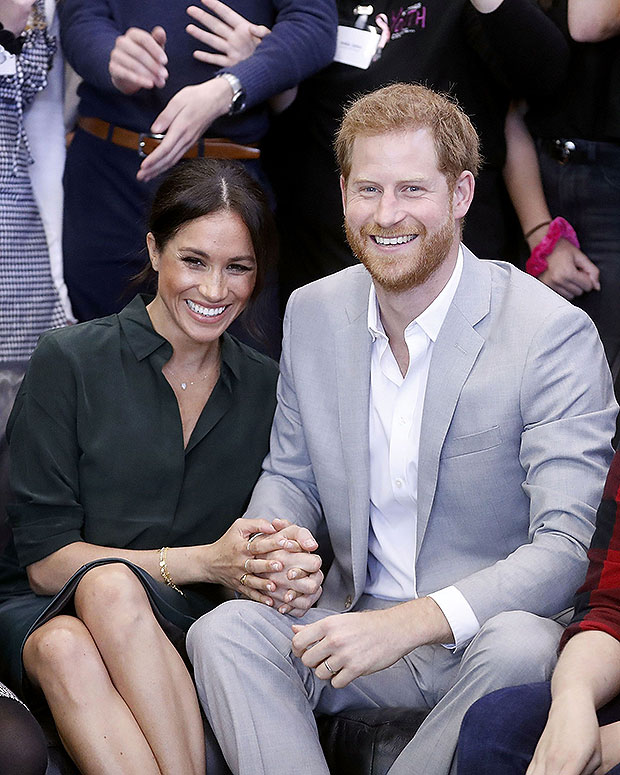 meghan markle prince harry holding hands
