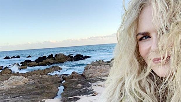 nicole kidman beach selfie