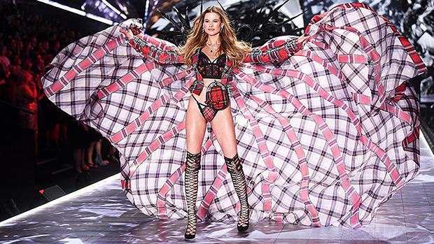Behati Prinsloo VS Fashion Show