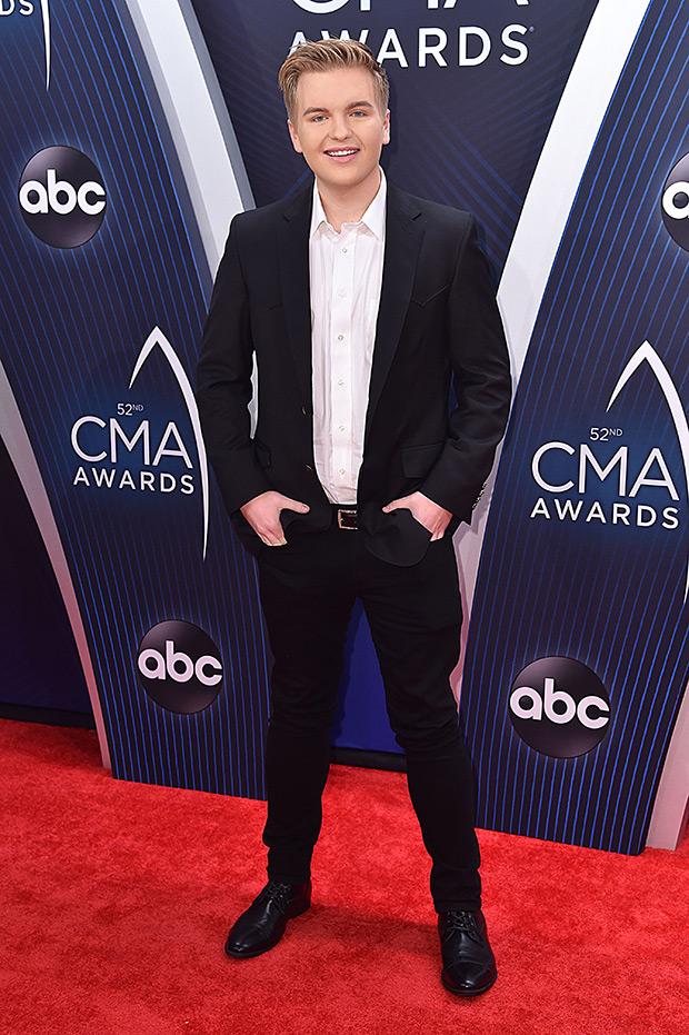 Caleb Lee Hutchinson CMA Awards 2018