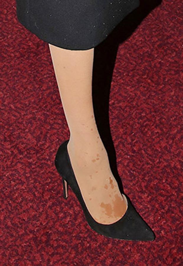 Meghan markle wardrobe malfunction wet tights