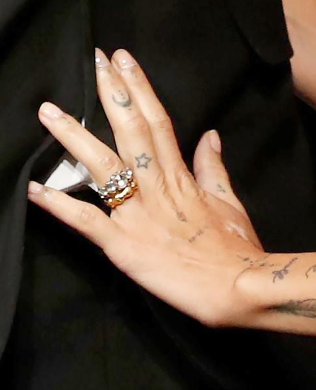 zoe kravitz engagement ring