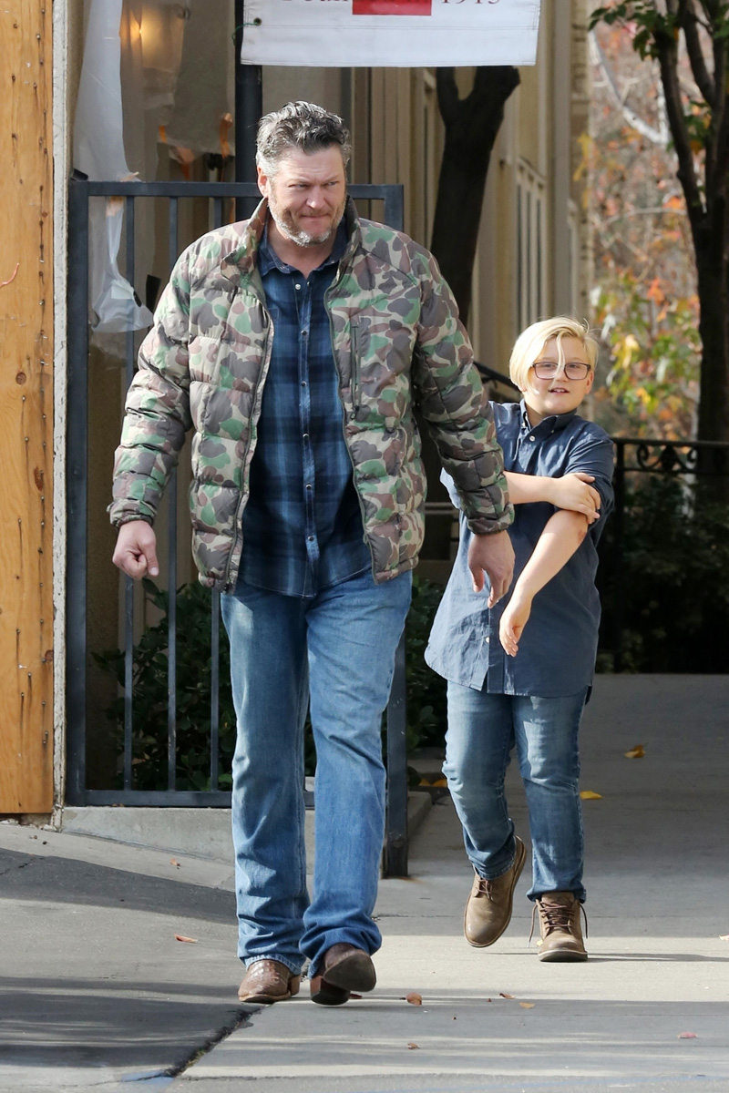 Los Angeles, CA - *EXCLUSIVE* - Gwen Stefani and Blake Shelton leave church with Gwen's kids as they get ready for Christmas celebrations at Gwen's parents house.Pictured: Blake Shelton, Zuma Nesta Rock RossdaleBACKGRID USA 23 DECEMBER 2018 BYLINE MUST READ: Stefan / BACKGRIDUSA: +1 310 798 9111 / usasales@backgrid.comUK: +44 208 344 2007 / uksales@backgrid.com*UK Clients - Pictures Containing ChildrenPlease Pixelate Face Prior To Publication*