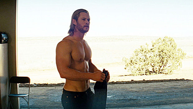 Chris Hemsworth's Fitness App: Sexy Video Shows Him Workng Out Shirtless –  Hollywood Life