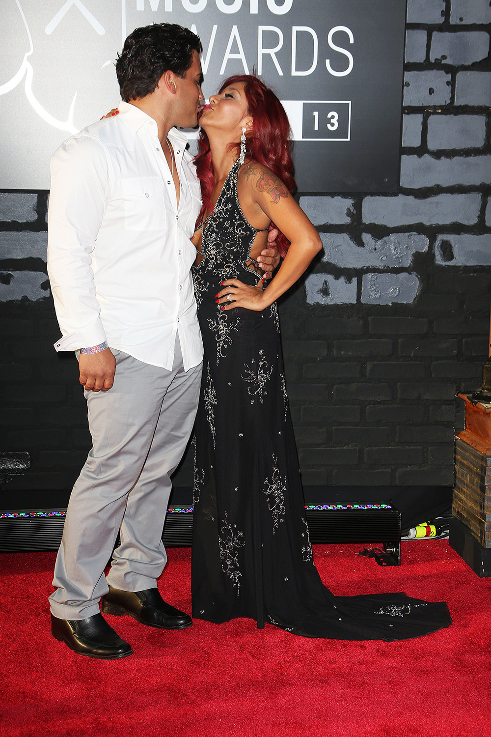 Jersey Shore' Relationships: PDA Photos Of All The Couples ...