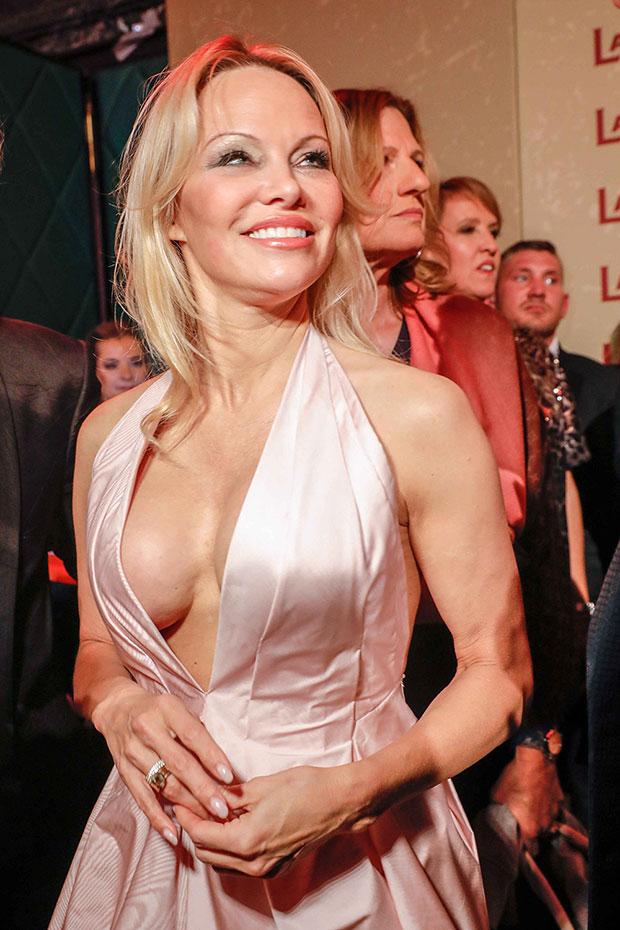 Pamela Anderson Cleavage