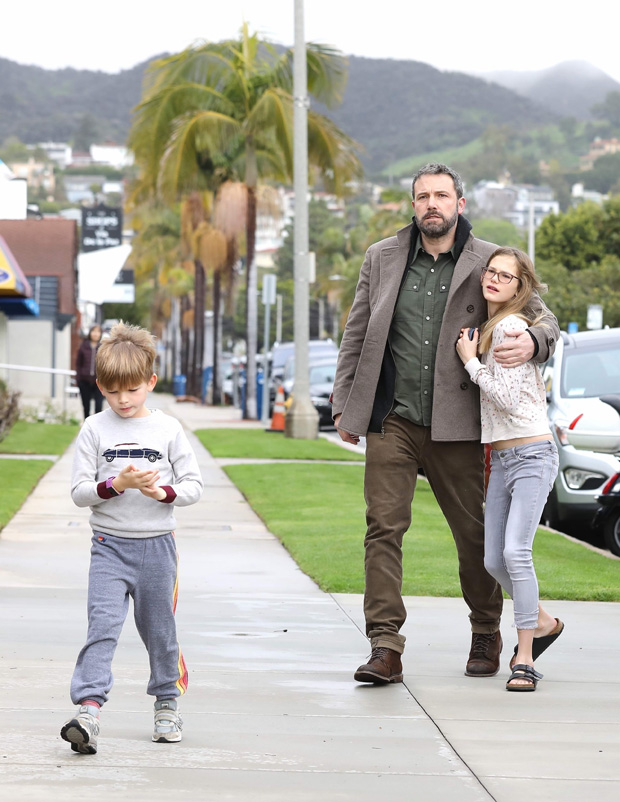 Pacific Palisades, CA - Jennifer Garner and Ben Affleck don't let the rain stop them as they arrive for Sunday church services. The pair, who are committed to coparenting their kids, arrived in separate cars, with the kids riding with Ben in the Range Rover, and Jen arriving with wet hair in the Lexus sedan. Ben looks like he's stepping up and taking parenting duties seriously, as he and eldest daughter Violet shared a sweet bonding moment as they entered the church together.Pictured: Ben Affleck, Violet Affleck, Samuel Affleck BACKGRID USA 3 FEBRUARY 2019 BYLINE MUST READ: Lastarpix / BACKGRID USA: +1 310 798 9111 / usasales@backgrid.com UK: +44 208 344 2007 / uksales@backgrid.com *UK Clients - Pictures Containing Children Please Pixelate Face Prior To Publication*