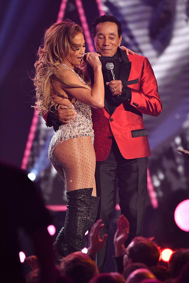 Jennifer Lopez Motown tribute