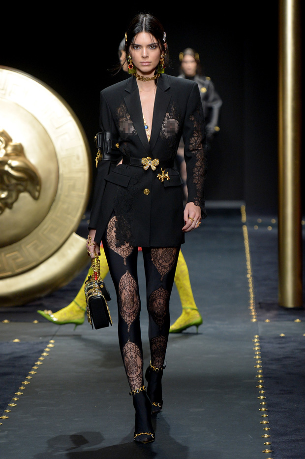Kendall Jenner on the catwalkVersace show, Runway, Fall Winter 2019, Milan Fashion Week, Italy - 22 Feb 2019