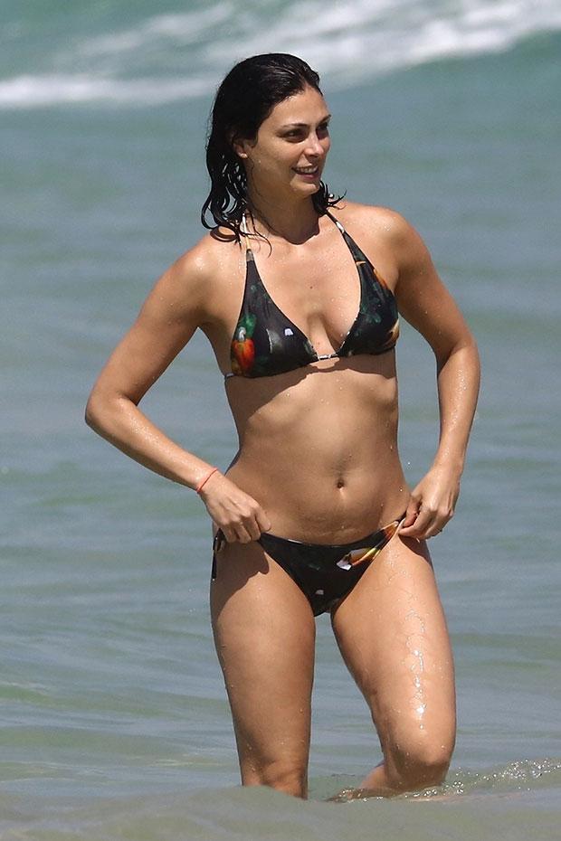 Morena Baccarin bikini