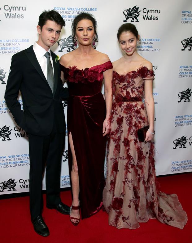 Catherine Zeta-Jones kids party