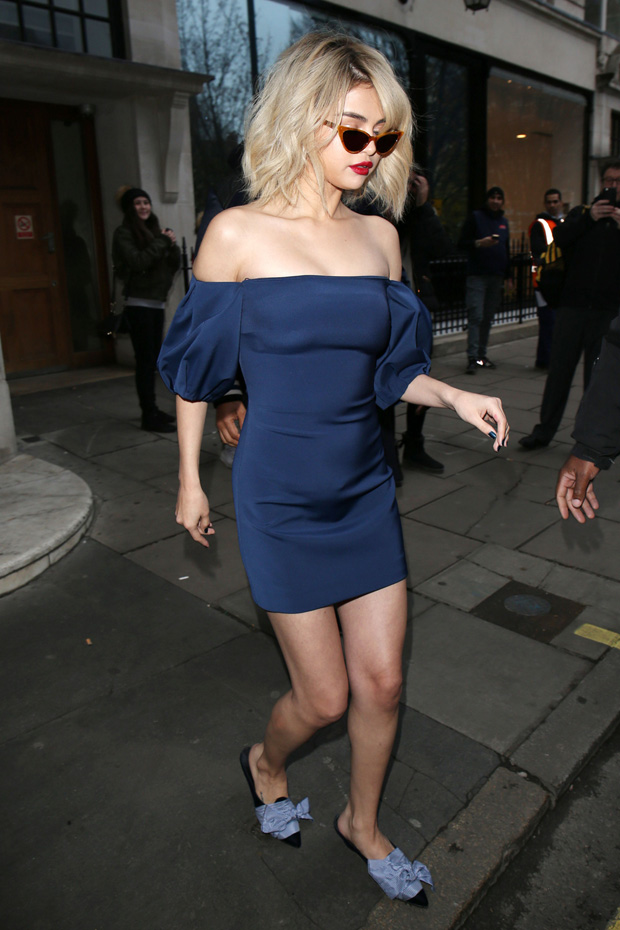 Selena Gomez leaves KISS 100 Studio'sSelena Gomez out and about, London, UK - 04 Dec 2017 WEARING CUSHNIE ET OCHS SAME OUTFIT AS CATWALK MODEL *9047004c