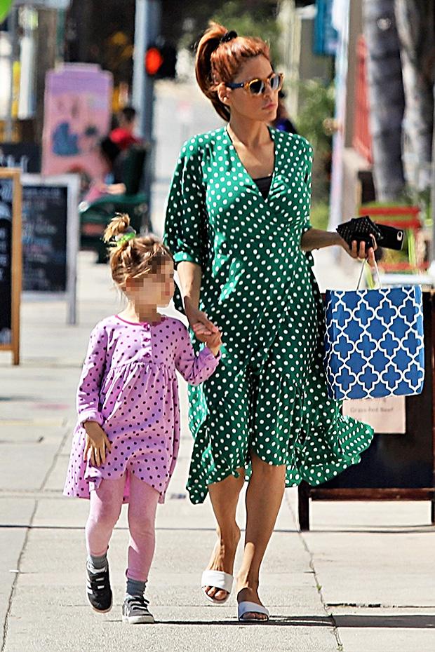 Eva Mendes And Esmeralda Gosling