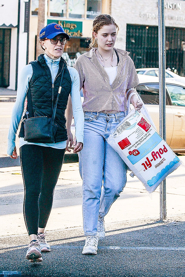 Felicity Huffman daughter shopping