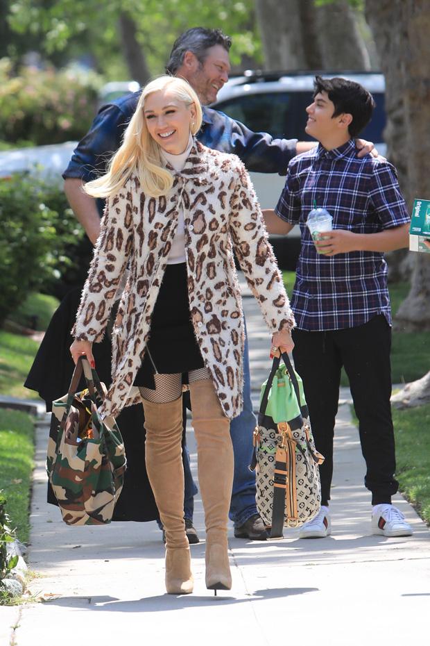 Gwen Stefani Blake Shelton at Gwen Parents house for Easter. 21 Apr 2019 Pictured: Gwen Stefani Blake Shelton. Photo credit: MEGA TheMegaAgency.com +1 888 505 6342 (Mega Agency TagID: MEGA403632_011.jpg) [Photo via Mega Agency]