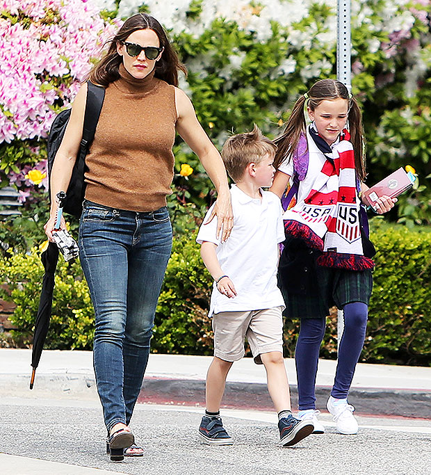 Jennifer Garner out with daughter Seraphina and son Samuel in LA