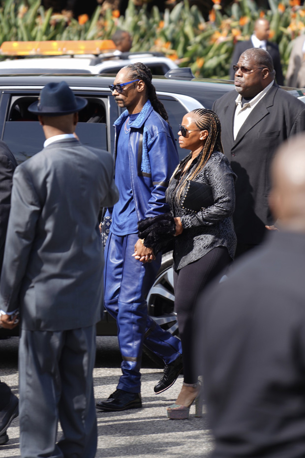 Snoop dogg at Nipsey Hussle memorial servicePictured:  Ref: SPL5079259 110419 NON-EXCLUSIVE Picture by: Shotbyjuliann / SplashNews.com  Splash News and Pictures Los Angeles: 310-821-2666 New York: 212-619-2666 London: 0207 644 7656 Milan: 02 4399 8577 photodesk@splashnews.com  World Rights