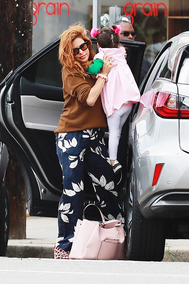 Eva-Mendes holds daughter Amada in LA