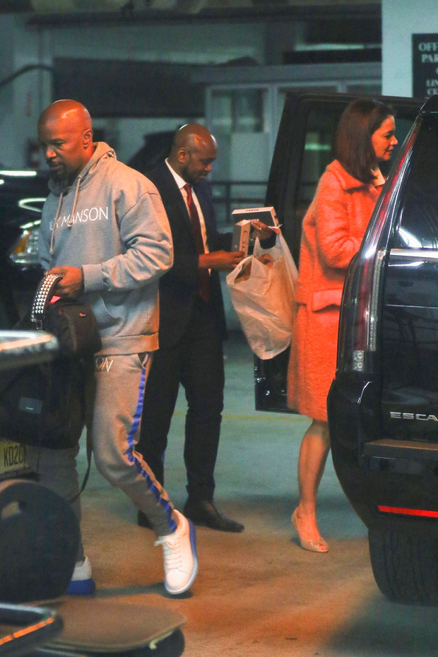 """New York, NY - *EXCLUSIVE* - Jamie Foxx and Katie Holmes were seen secretly returning to Jaimie's hotel Tuesday afternoon after he made a guest appearance on """"The Tonight show with Jimmy Fallon"""" with his daughter Corinne.Pictured: Jamie Foxx, Katie Holmes BACKGRID USA 14 MAY 2019 USA: +1 310 798 9111 / usasales@backgrid.com UK: +44 208 344 2007 / uksales@backgrid.com *UK Clients - Pictures Containing Children Please Pixelate Face Prior To Publication*"""