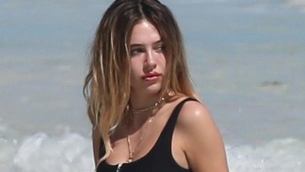 Delilah-Belle-Hamlin-21-Looks-Hot-In-Bikini-While-Mom-Lisa-Rinna-Reminds-Her-To-Drink-Water-ftr