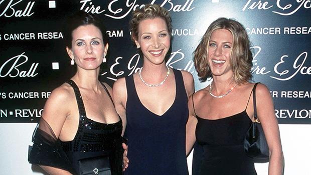 Jennifer Aniston Courteney Cox Lisa Kudrow Reunite Friends Pics