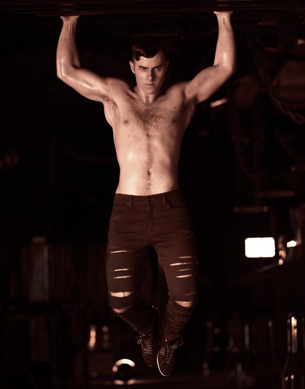 Nolan Gould shirtless pic