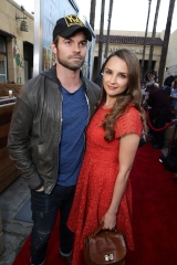 """Daniel Gillies and Rachel Leigh Cook seen at the Warner Bros. and Metro-Goldwyn-Mayer """"MAX"""" Los Angeles Premiere on Warner Bros. and Metro-Goldwyn-Mayer """"MAX"""" Premiere, Los Angeles, USA"""
