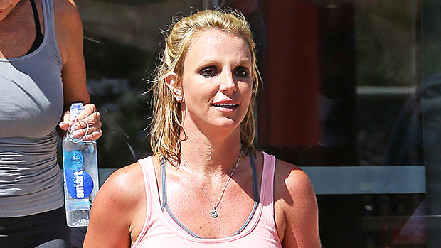 britney-spears-looks-fit-and-happy-ftr