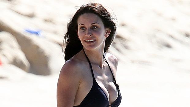 Courteney Cox black bikini