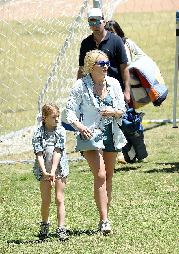 Jamie Lynn Spears out with daughter, Maddie Briann Aldridge