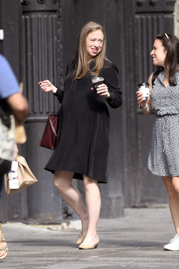 Heavily Pregnant Chelsea Clinton shows her Belly Bump while out for a business meeting with a friend in New York City this morning. Clinton is expecting her third baby with husband Marc Mezvinsky (Not Pictured).Pictured: Chelsea Clinton Ref: SPL5103499 120719 NON-EXCLUSIVE Picture by: Elder Ordonez / SplashNews.com Splash News and Pictures Los Angeles: 310-821-2666 New York: 212-619-2666 London: 0207 644 7656 Milan: 02 4399 8577 photodesk@splashnews.com World Rights, No Portugal Rights
