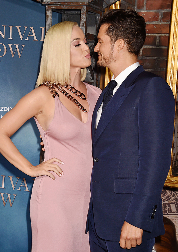 Katy Perry & Orlando Bloom's red carpet PDA